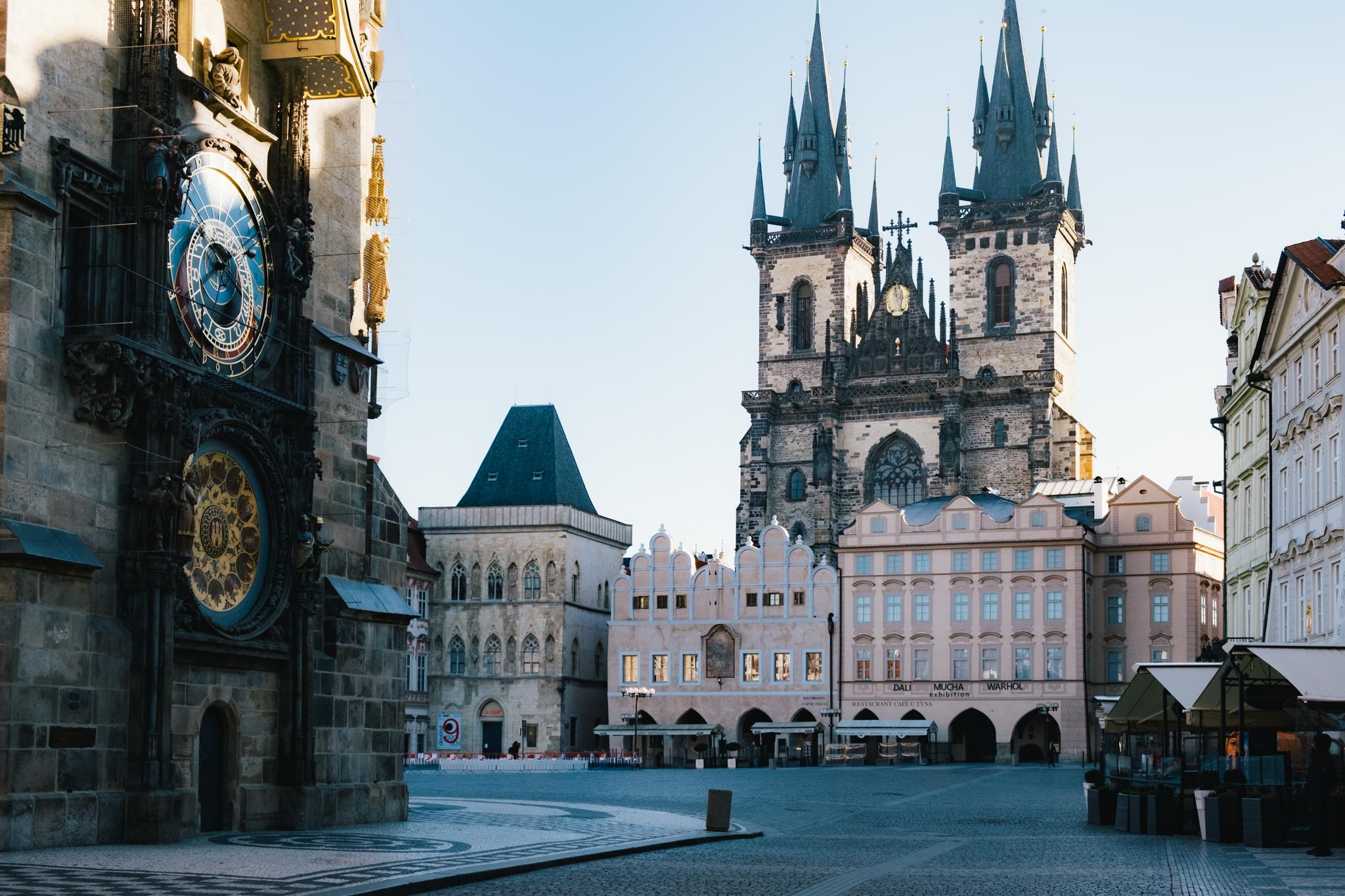 Old Town Square and Astronomical Clock (Staroměstské náměstí a Orloj) Without the Crowds