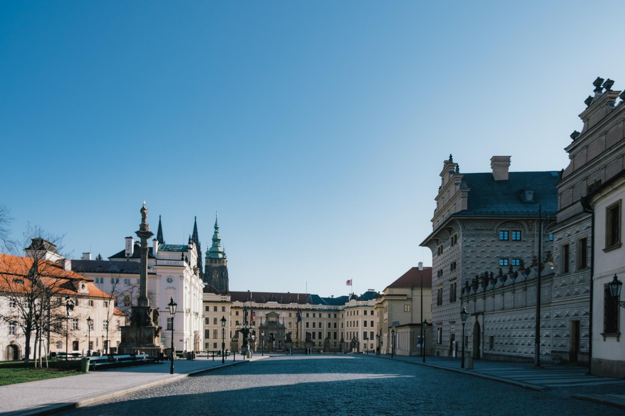 Prague Castle Square (Pražský hrad) without the crowds